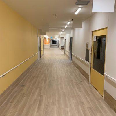 鹿児島市O病院:廊下 長尺シート貼